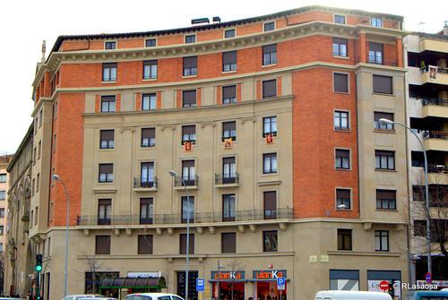 Edificio de viviendas en la Plaza de las Merindades