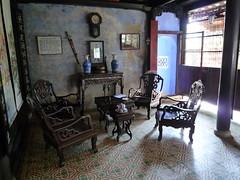 Sitzecke in der Ahnenkapelle der Tran-Familie