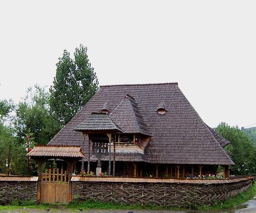 Casa típica de Maramures, en el pueblo de Botiza