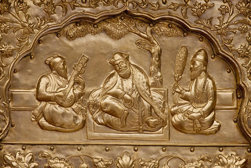Inlay at Harminder Sahib, Amritsar, India of Guru Nanak, center, between Bhai Mardana, left, and Bhai Bala, right. (flickr user: amardeepsinghsingapore)