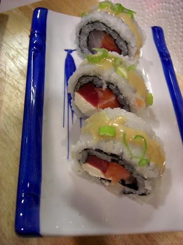 Три вида рыбы: туна, лосось, тилапия и кримчиз