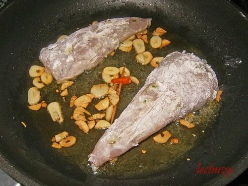Rape con gambas-freir pescado