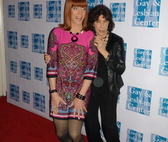 Lily Tomlin And Coco Peru Share An Extraordinary Conversation At La Gay Lesbian Center Event