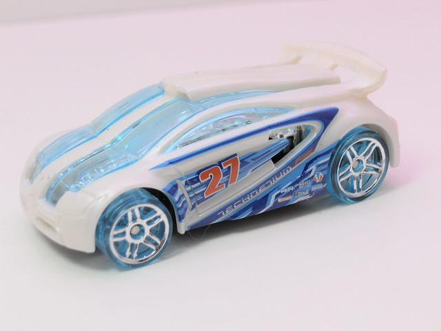 hot wheels technitium (2)