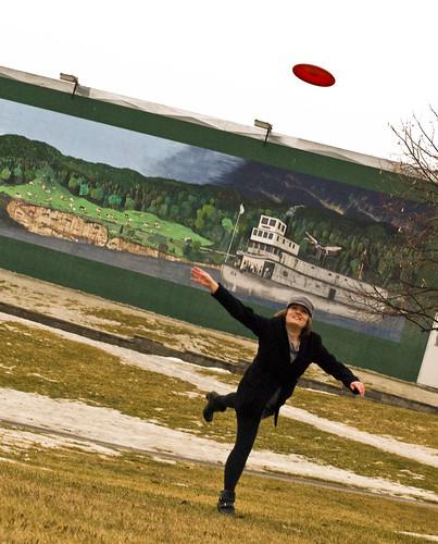 Tineke Frisbee Quick Art