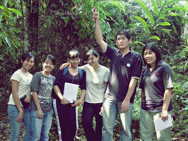 JungleTrekking2