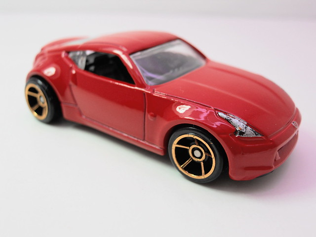 hot wheels nissan 370z (2)
