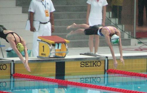 8ASC老蕙芯(右一)在50米自由泳決賽突破自己最快成績