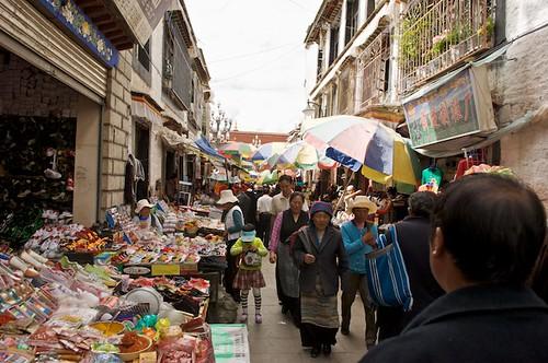 Shopping on the Barkor