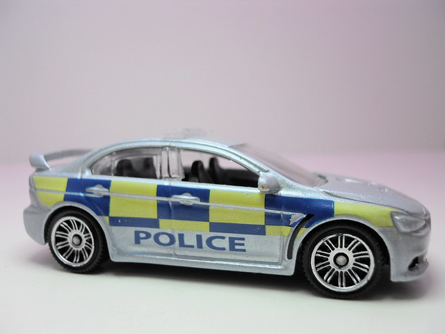 matchbox mitsubishi evolution x polizia (2)