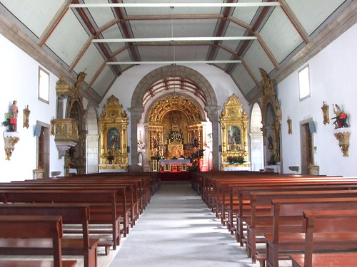 Igreja de Alvarães /Alvharães church