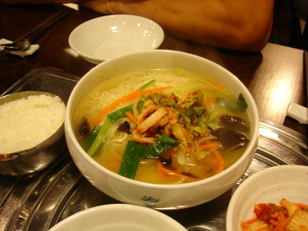 Doorae - noodles in oxtail broth