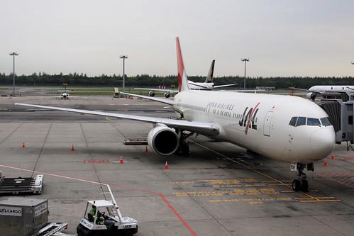 JAL B767-300ER(JA608J)