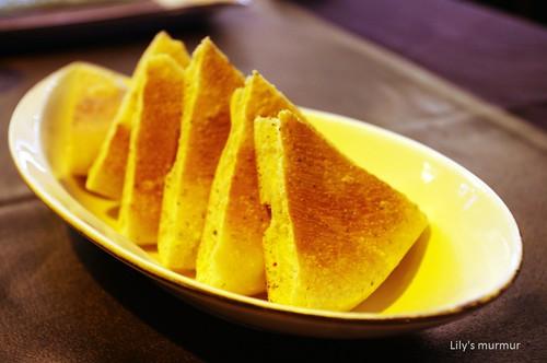 好吃的手工香料麵包。