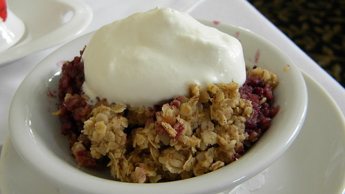berry crumble