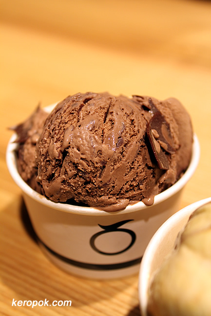Mövenpick Swiss Chocolate