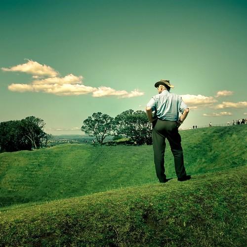 Man / Grass / Park por ►CubaGallery