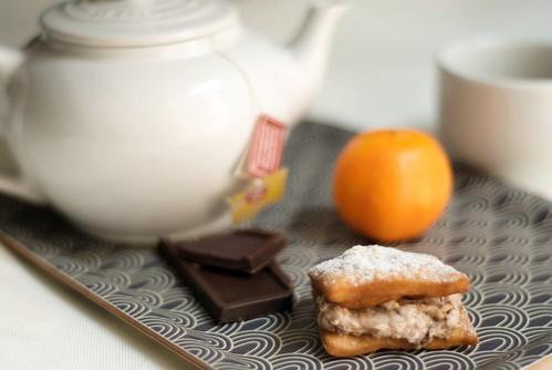 Cannoli con crema de chocolate y mandarina