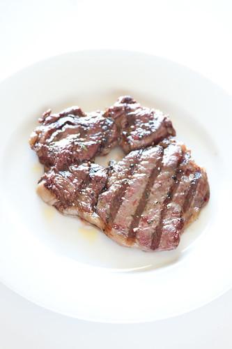 minimalist BBQ steak