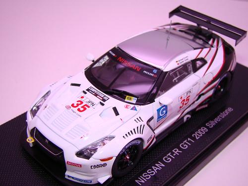 EBBRO NISSAN GT-R GT1 2009 SILVERSTONE (2)