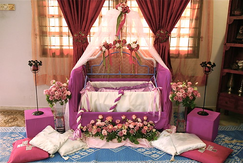 hiasan cradle, buaian majlis aqiqah pink purple