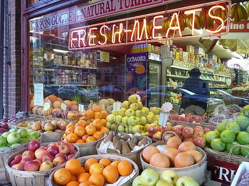 DeLuca's Market
