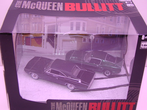 greenlight Steve mcQueen bullitt diorama (2)