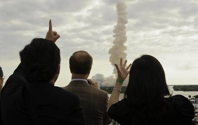 STS-134 Endeavour Launch (201105160003HQ)