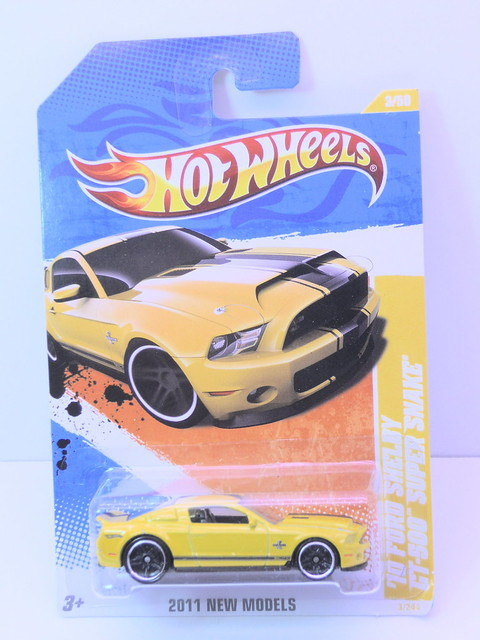 hot wheels '10 ford shelby gt-500 super snake yellow (1)