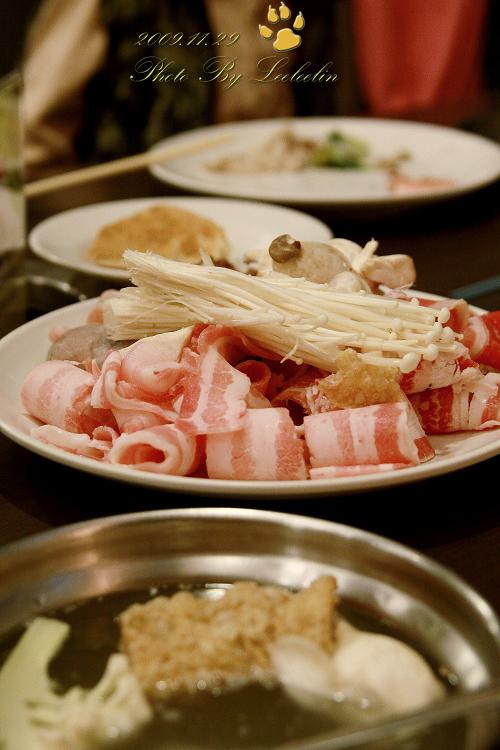 [臺南吃到飽美食] 極鮮火鍋餐廳~CP值高且環境食材還不錯