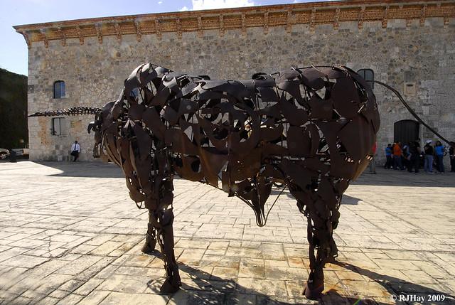 Bull Statue - Calle Las Damas