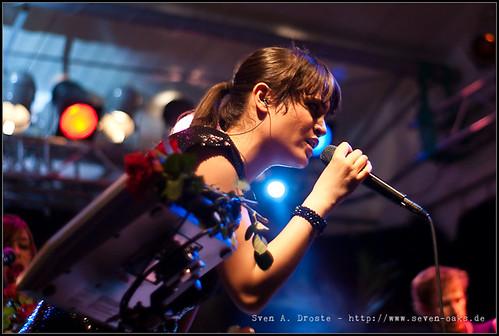 Claire Oelkers / Karpatenhund