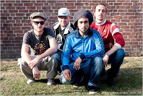 Philip Breidenbach, Moses Christoph, Sebastian Sturm & Daniel 'Danger Dan' Pongratz / Cheer Up Trio