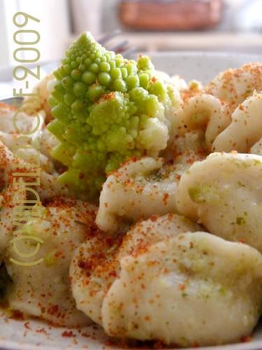 Orecchiette e broccolo romano con bottarga di muggine