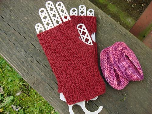 365.96 x4 Pretty, little knits.