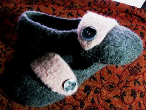 Felted Double-Sole Slippers Side