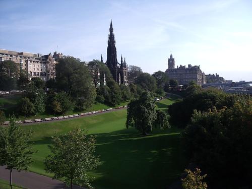 Walter Scott Monument & The Balmoral, Edinburgh