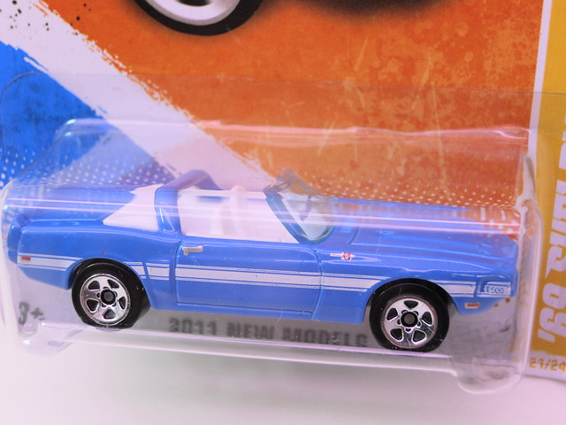 hot wheels '69  shelby gt-500 blue (2)