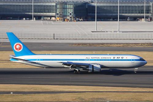 ANA B767-300(JA602A) モヒカンジェット