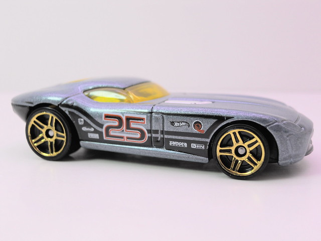 hot wheels fast felion (2)