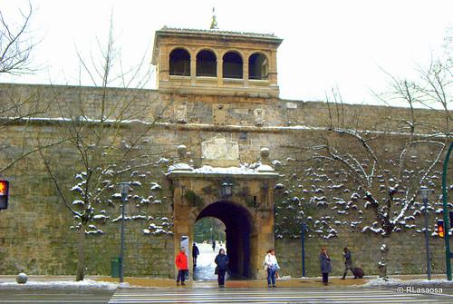 Puerta principal de acceso a la Ciudadela desde la Avenida del Ejército.