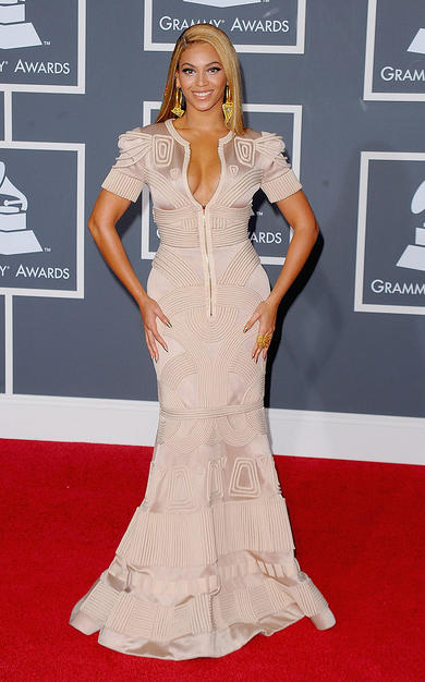 Singer Beyonce arrives at the 52nd Annual GRAMMY Awards held at