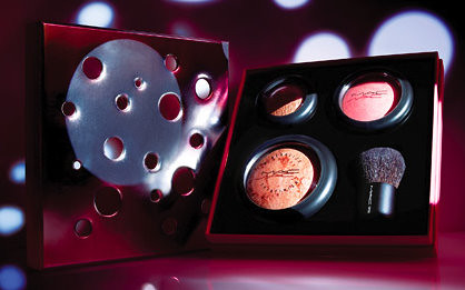 Exclusive MAC Holiday Collection 2009