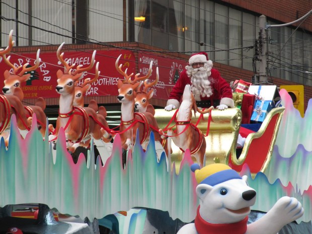Here comes Santa Claus! by Loozrboy, on Flickr