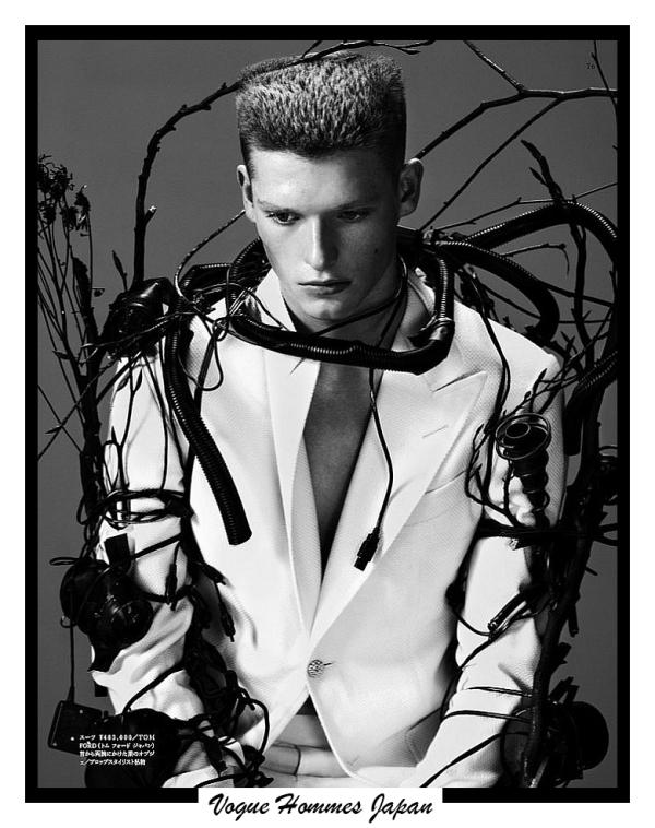 Vogue Hommes Japan 4