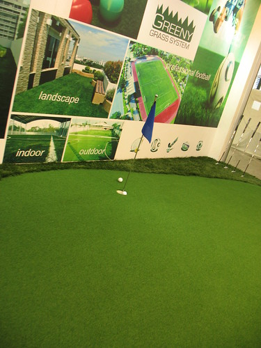 Artificial golf