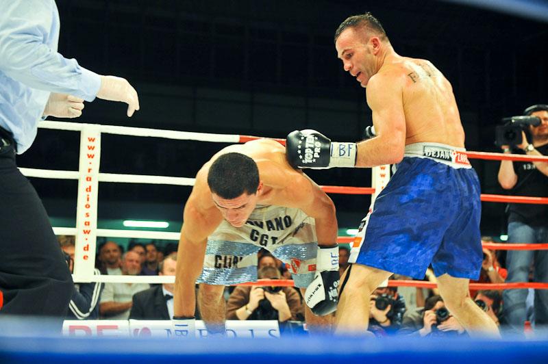 Dejan Zavec vs. Rodolfo Ezequiel Martinez 20100409_9632