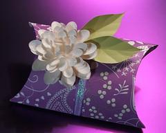 Send Gift to Kolkata online