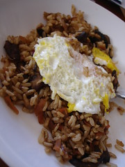 Spicy rice with egg