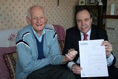Dodds Presents Award to Normandy Veteran